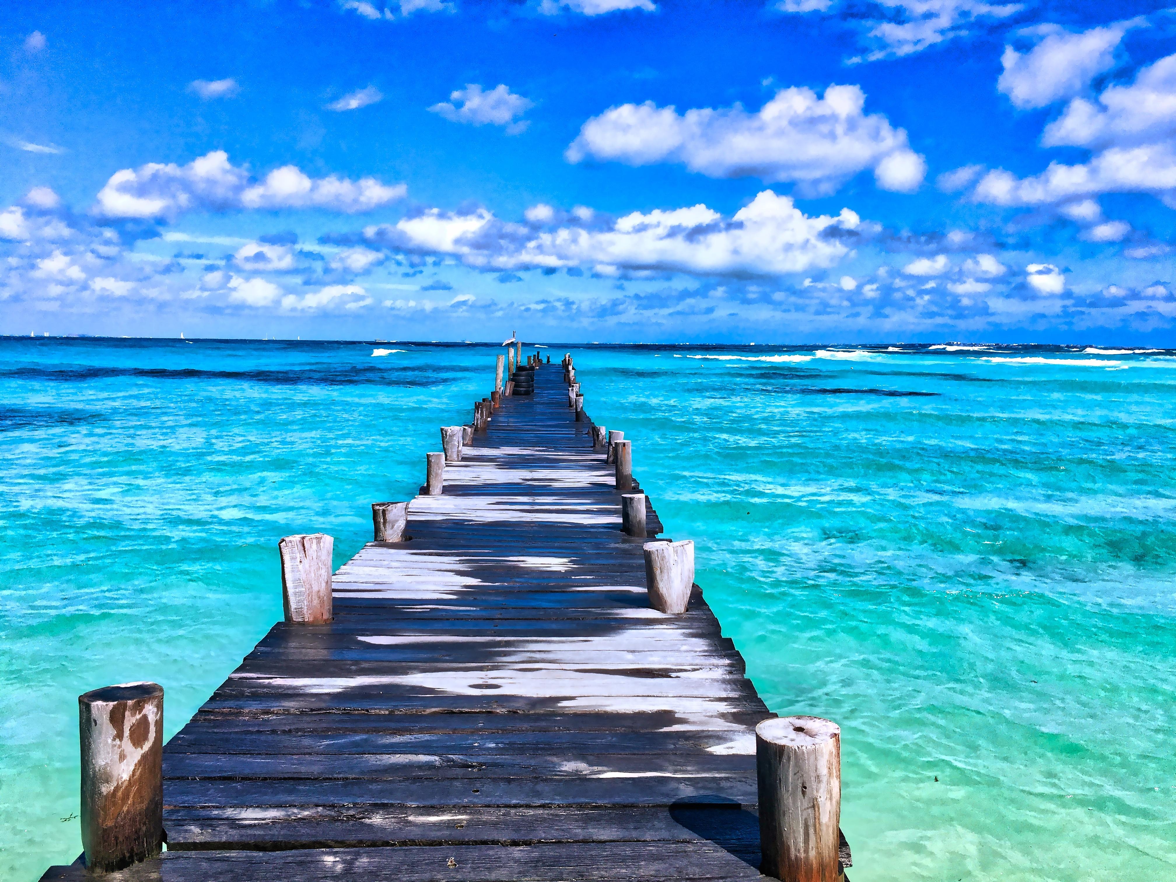 常夏の楽園、フィジー。世界一幸せな国の社会問題